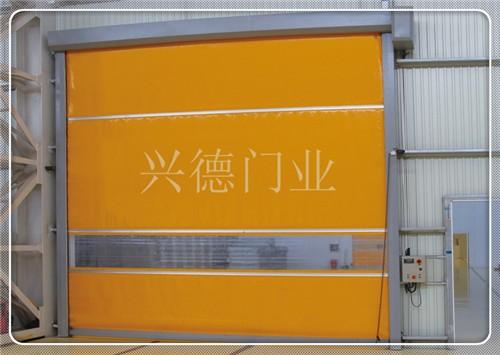 东莞宝晶包装材料有限公司快速卷帘门发货中