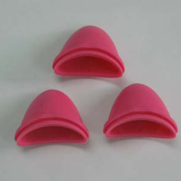Miscellaneous pieces of silicone rubber