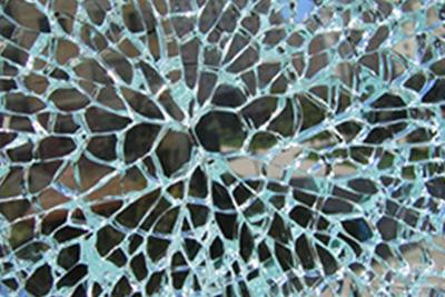 平钢化炉的结构与钢化玻璃的优点