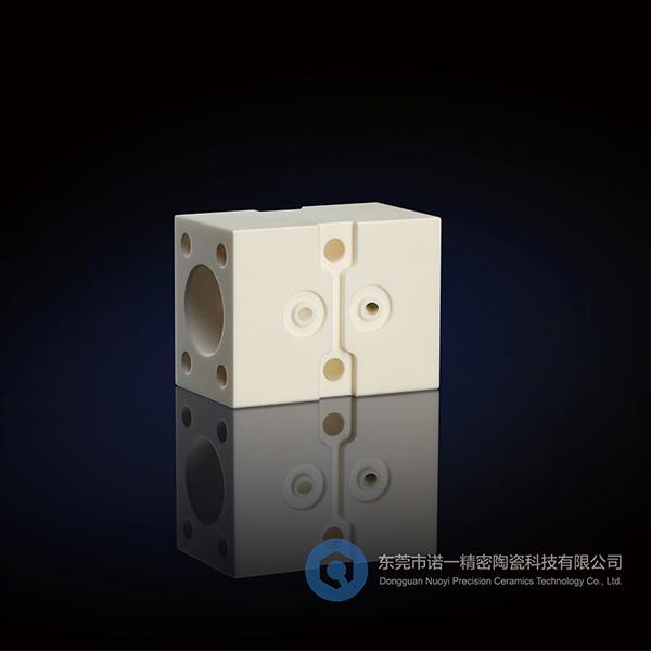 陶瓷工业|为什么东莞精密陶瓷中的氧化锆陶瓷被很多人称之为陶瓷钢?