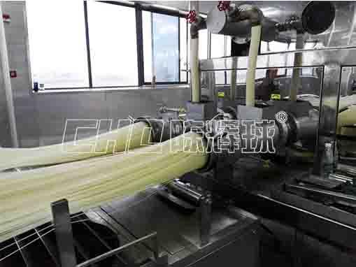 米粉加工,大型米粉生产设备助企业升级自动化