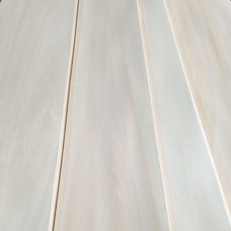 What is the difference between the process of dyed veneer and natural veneer?